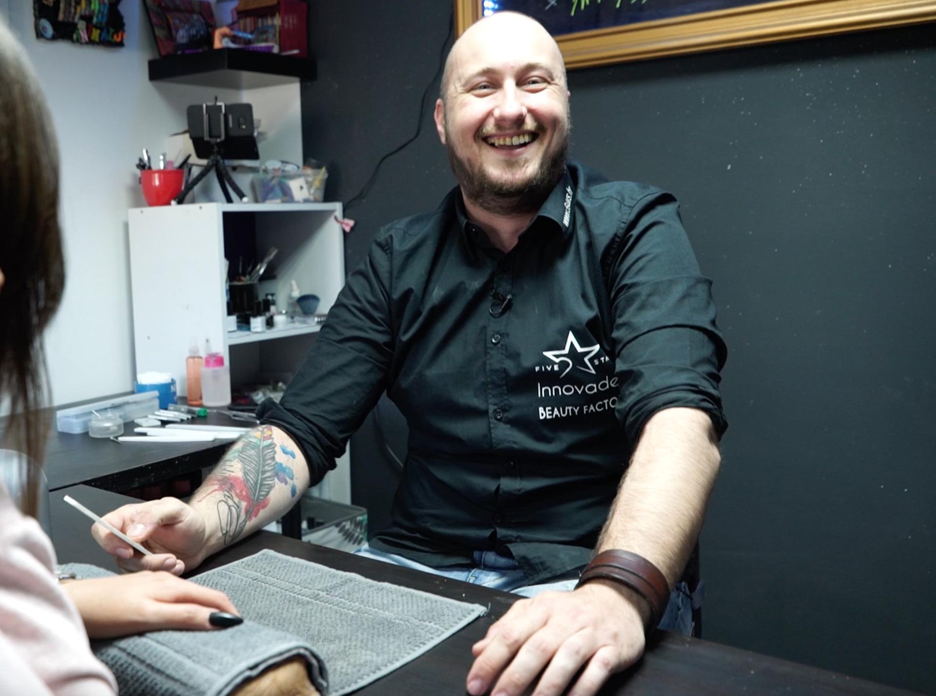 Motociklist Igor: 'Napio sam se i postao majstor za manikure'