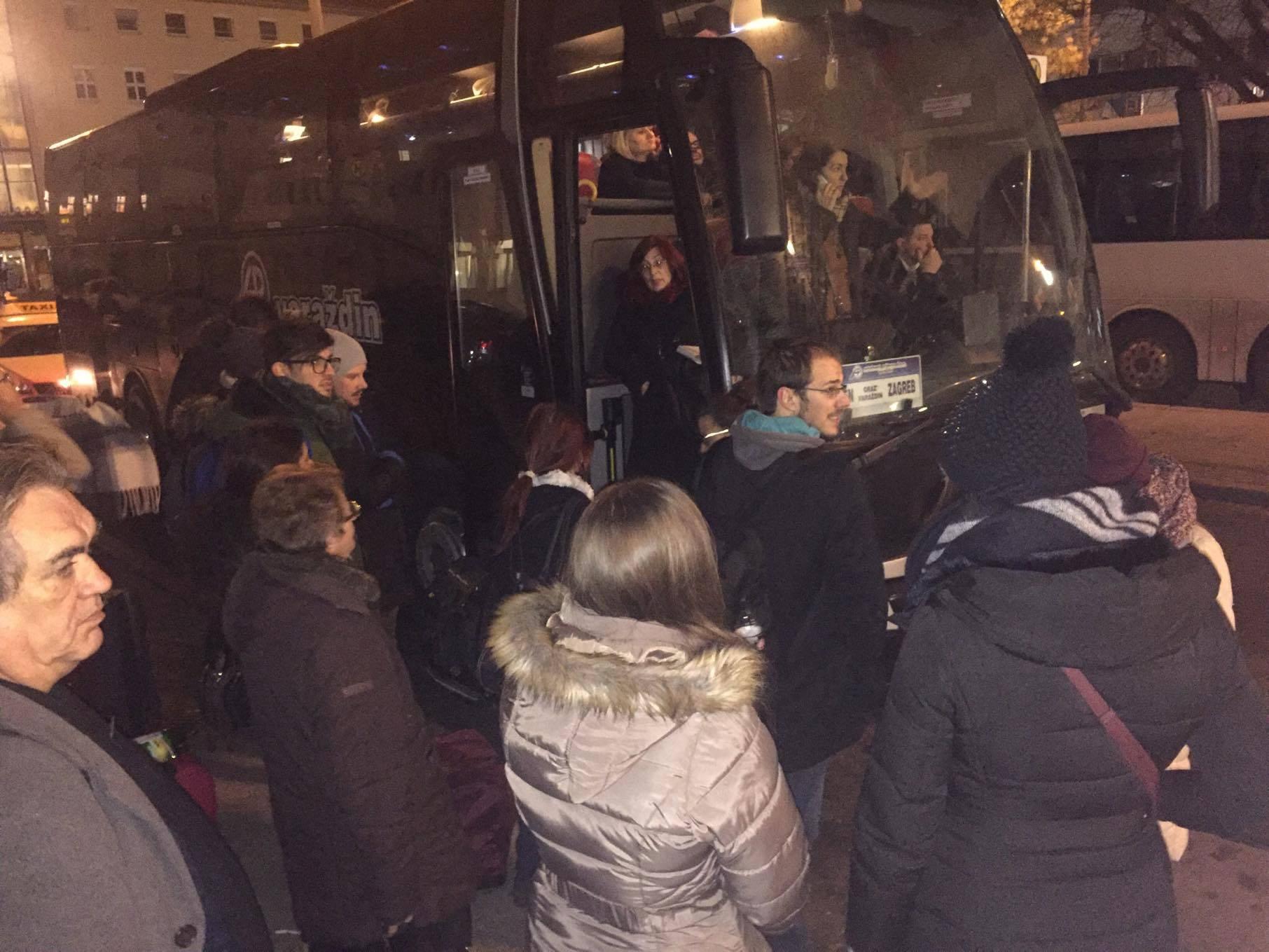 'Pet mjesta, 20 putnika': Imali rezervaciju, a nisu mogli u bus