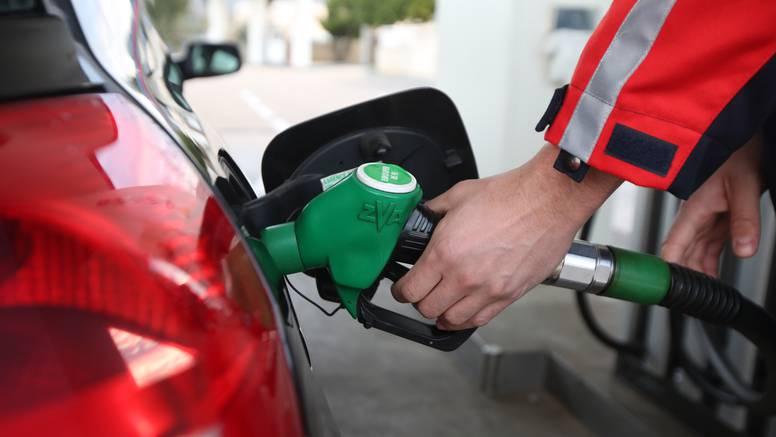 Od ponoći nove cijene goriva