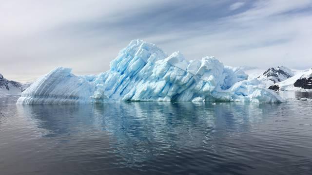 Sada i u kopnenom ekosustavu Antarktike otkrili mikroplastiku