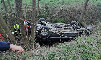 U nesreći na Sljemenu teško je ozlijeđen vozač, izletio u zavoju