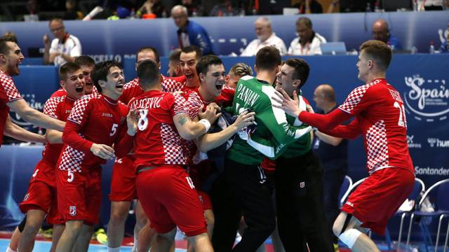 Hrvatska izgubila od Francuza u finalu, Dominikoviću crveni...
