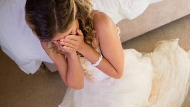Svekrva iz pakla: Došla je na vjenčanje u crnini, očijukala sa svima pa tražila moju haljinu
