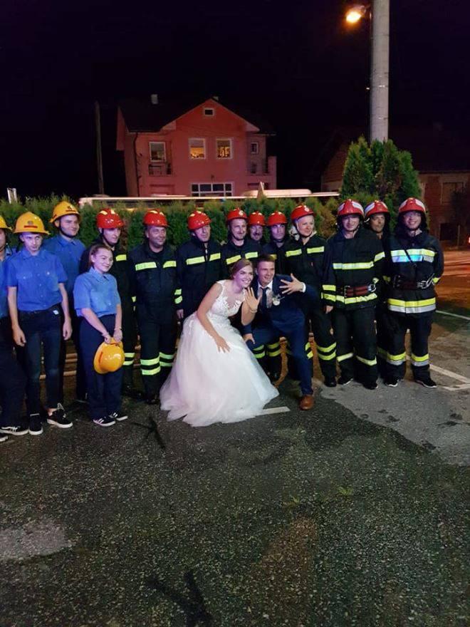 Zagorski vatrogasci priredili iznenađenje Denisu i Biserki