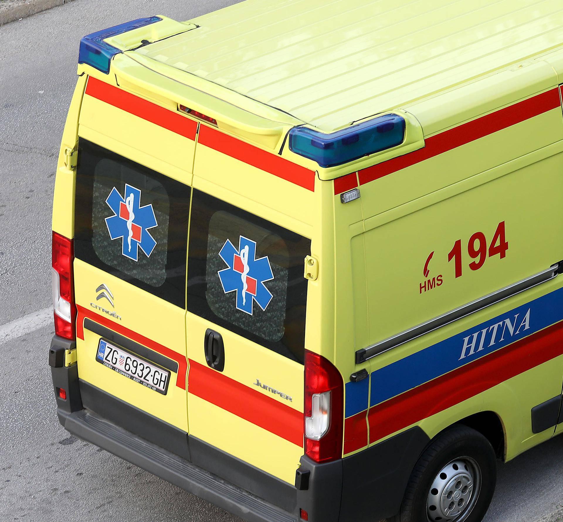 Makljaža usred Trogira: Muškarca prebacili u bolnicu nakon obračuna