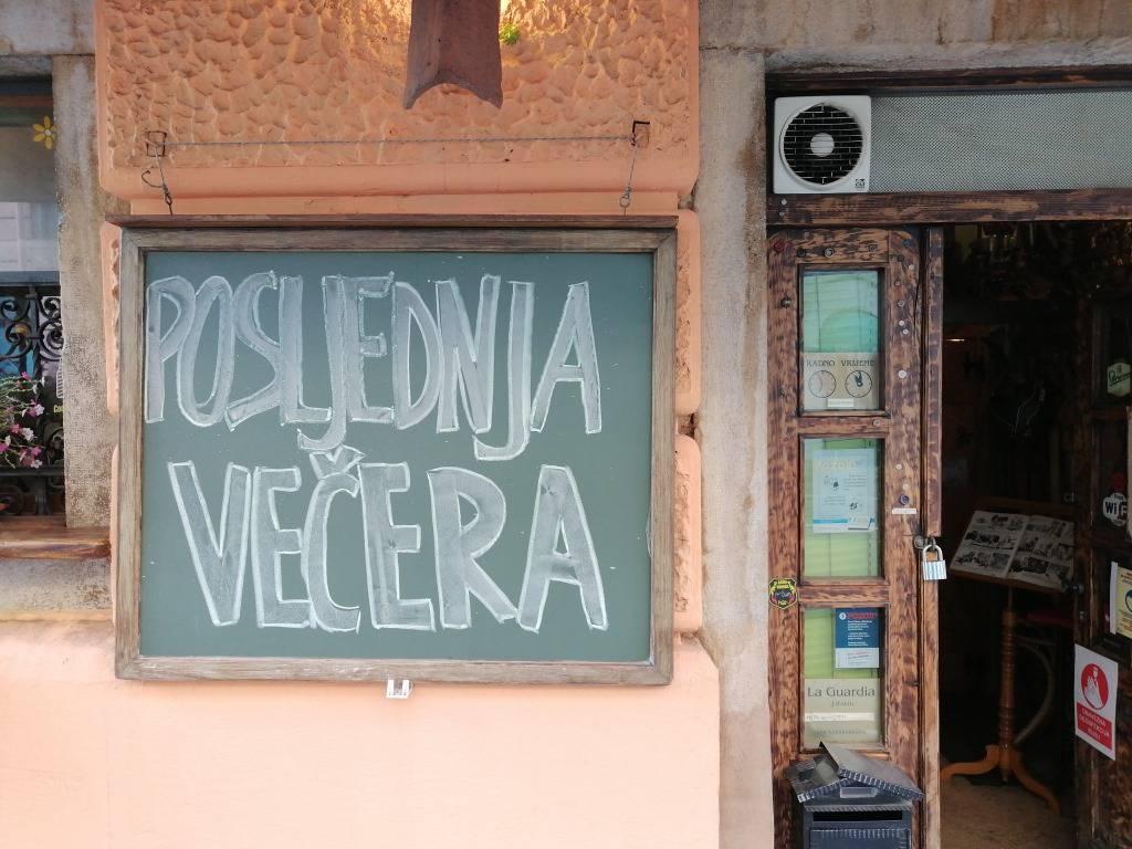 Mjere od sutra, a neki kafići su već prazni: Ugostitelji se žale dok se opraštaju od gostiju