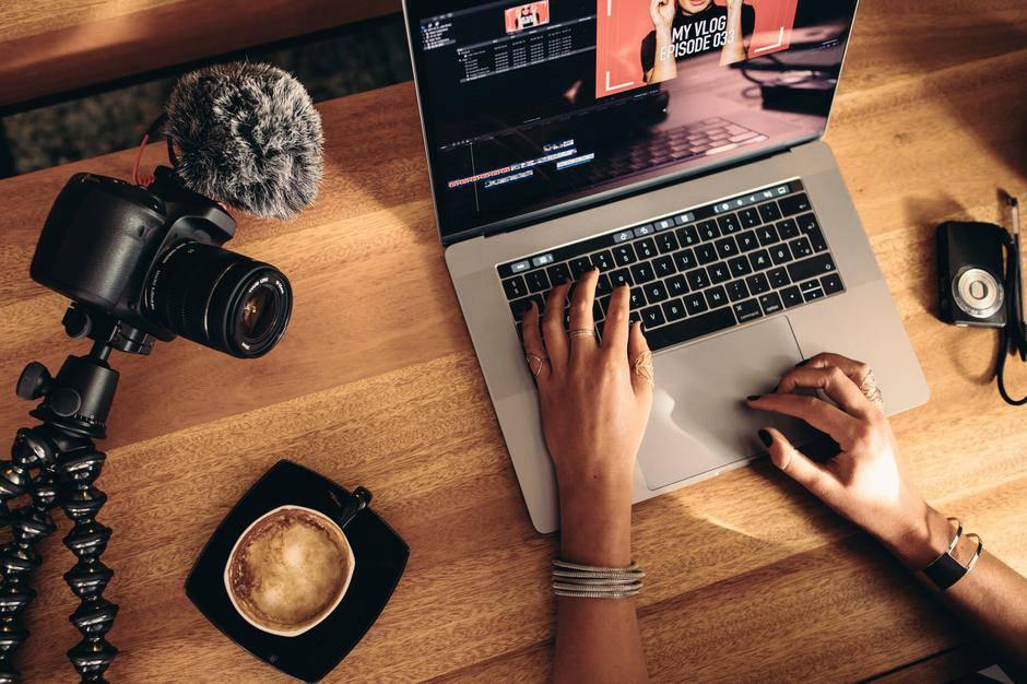 Saznaj kako početi zarađivati od vlastitog food bloga