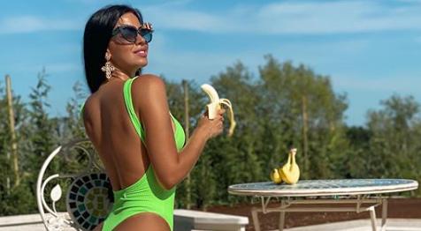 Sebična Ivana: Grickala bananu, a servirala samo stražnjicu...