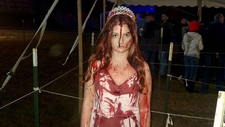 Sletjela s ceste: Zbog maske su svi mislili da je ozlijeđena...