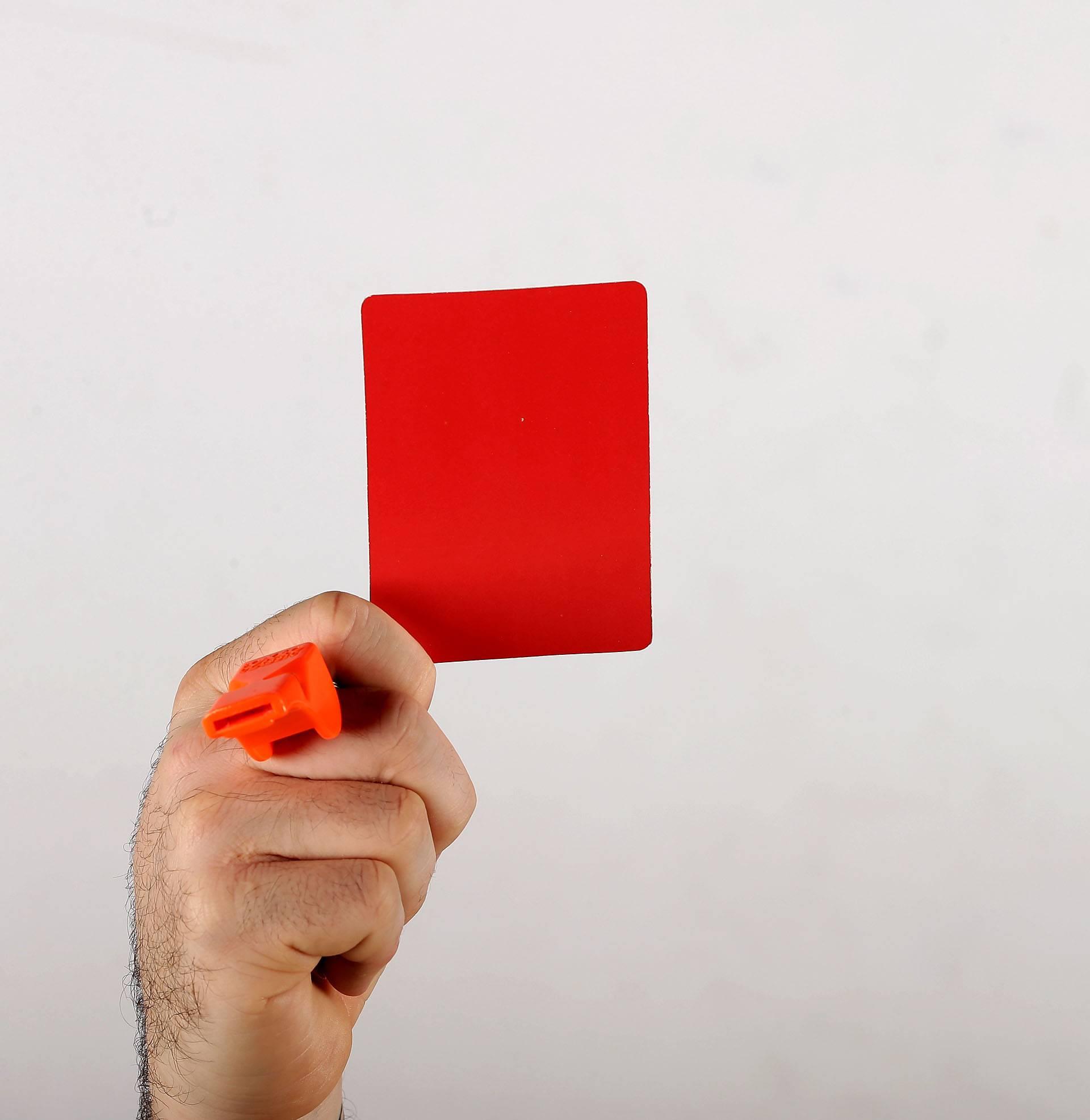 Ludilo u Švedskoj: Dobio crveni karton na kraju jer je - prdnuo