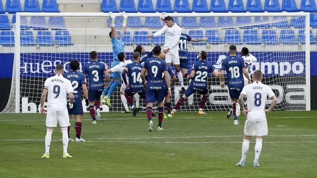 La Liga Santander - SD Huesca v Real Madrid