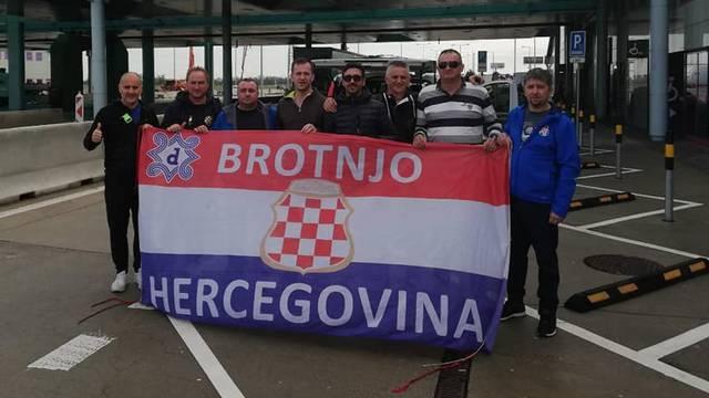 Hercegovci iz Čitluka stigli u Trnavu iako ne mogu na tribine