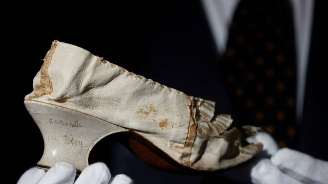 Auction of a shoe that belonged to late French queen Marie-Antoinette