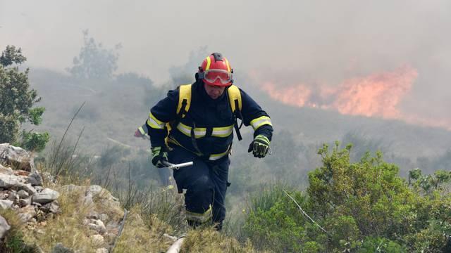 Žele novo vještačenje: Sude joj zbog podmetanja najvećeg požara 2019. godine u Šibeniku