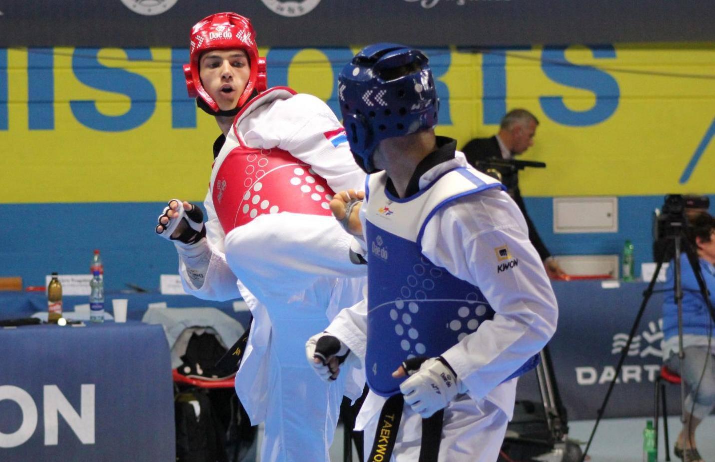 Toni Kanaet srušio olimpijskog pobjednika i okitio se broncom
