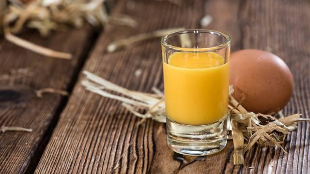 Eggnog - liker od jaja: Savršena božićna alkoholna poslastica!