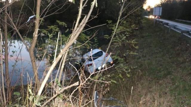 Pijana vozačica (26) autom sletjela u akumulacijsko jezero