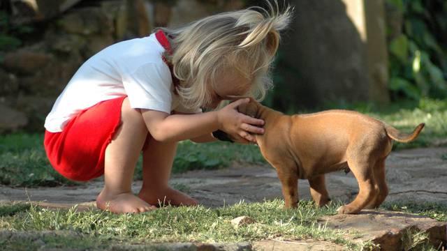 Savjeti kako potaknuti djecu da vode brigu o kućnim ljubimcima