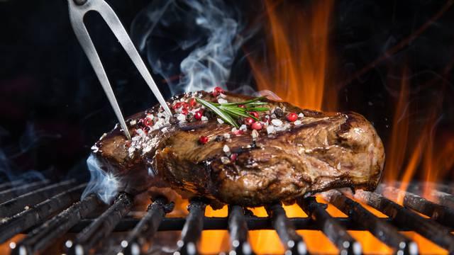 Chefica otkrila tajnu savršeno pripremljenog steaka - ovako će svaki put biti kao iz restorana