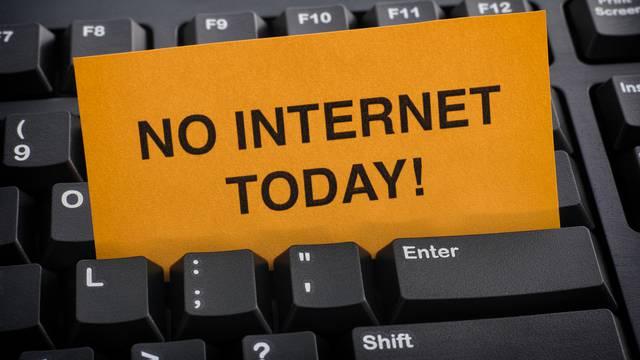 Zbog prerezanog kabela cijela država ostala je bez interneta