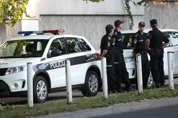 Sarajevo: Velik broj policajaca osigurava Povorku ponosa koja počinje danas u podne