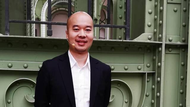 'U Huaweiju radimo na telefonu koji neće imati nikakvih utora'