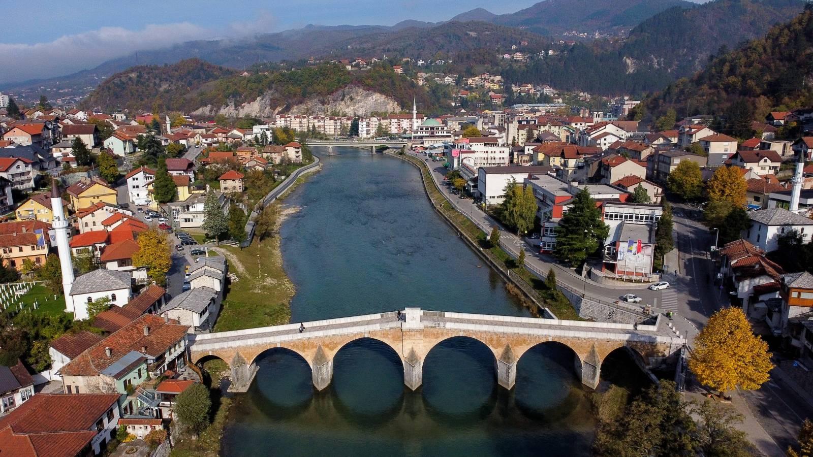 Stari most u Konjicu na rijeci Neretvi smatra se točkom gdje se Hercegovina spaja s Bosnom