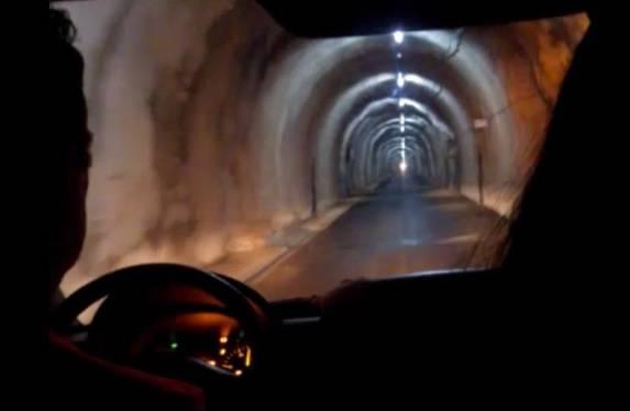 Planuo bus u tunelu Sveti Ilija: Putnike su hitno izvlačili van
