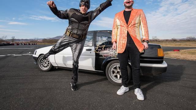 Šebalj kao Batman, a Fil Tilen kao Joker u driftu za maškare
