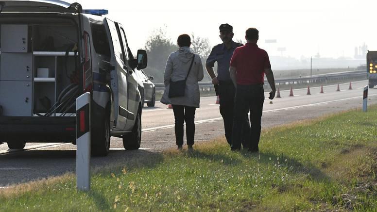 Automobil je sletio s ceste i zapalio se, putnici su izgorjeli