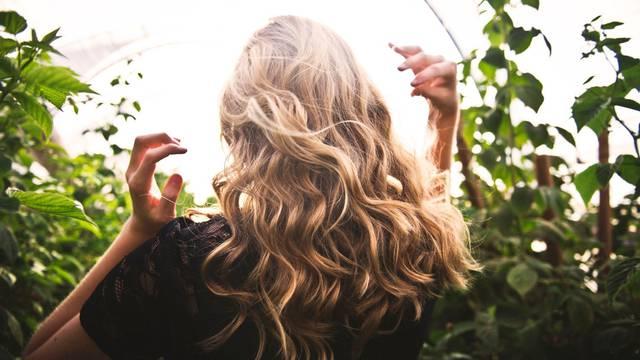 12 top namirnica koje  jačaju kosu i daju  sjaj pramenovima