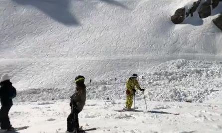 Lavina u Švicarskoj: Spasioci izvukli ranjene, potraga traje