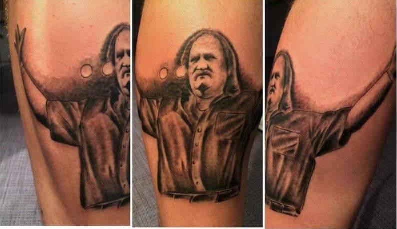 Mišo sve prati: 'Razveselile su ga tetovaže njegovih fanova...'