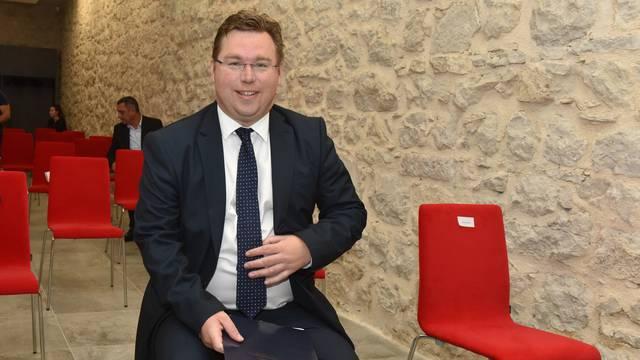 Pavić dodijelio 17 ugovora u vrijednosti 4,27 milijuna kuna za razvoj Šibenika i okolice