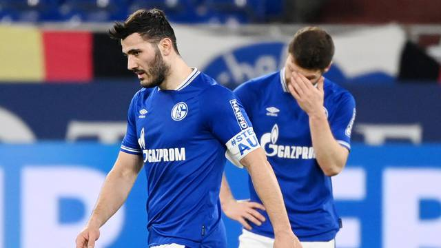 Bundesliga - Schalke 04 v Borussia Moenchengladbach