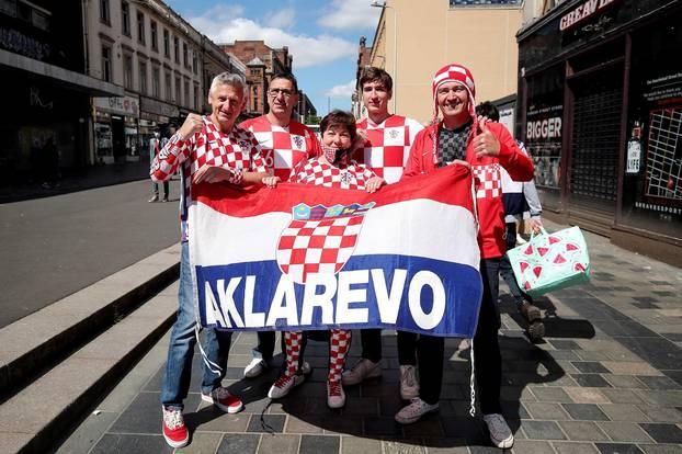 UEFA Europsko prvenstvo 2020, navijači u šetnji gradom prije utakmice Hrvatska - Češka