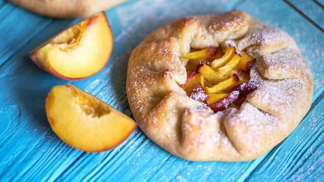 galette with peaches