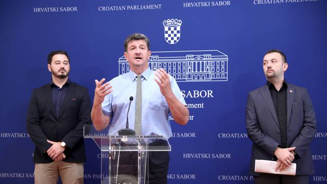 Zagreb: Pavliček i Sačić na konferenciji Kluba zastupnika Hrvatskih suverenista