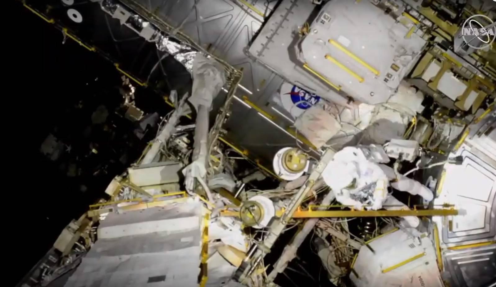 Astronauti u svemirskoj šetnji, morat će zamijeniti baterije
