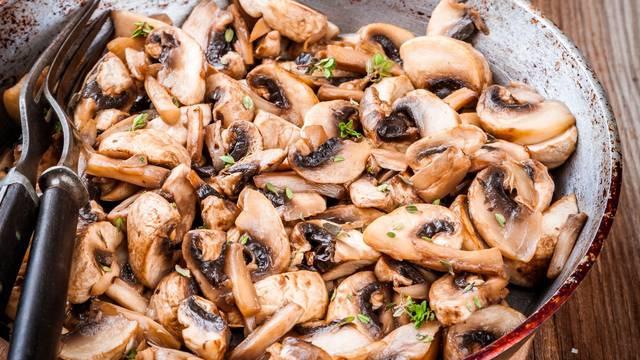 10 odličnih recepata s gljivama za rižota, omlete, umake i juhe