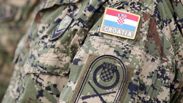 Tri vojnika u tri vojarne 'pala' su na testiranjima na droge...