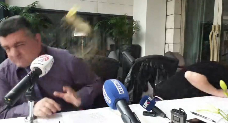 Napali čelnike inicijative koja je kritizirala stanje u Hajduku...