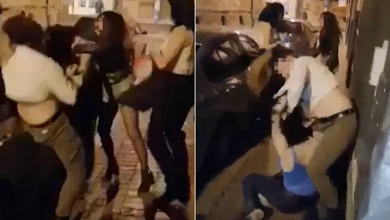 Detalji tučnjave: Posvađale su se u klubu, nastavile na ulici