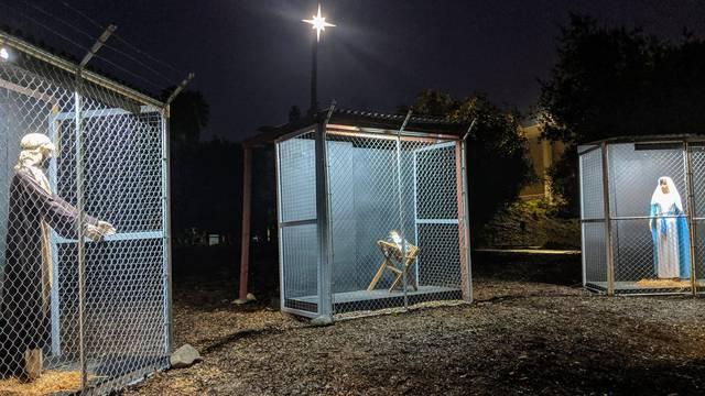 Zatvorili Isusa, Mariju i Josipa u kavez: 'Ne odvajajte obitelji'