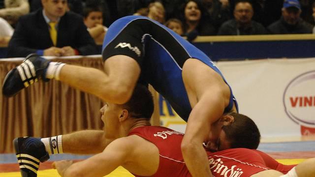 Hrvači iz Varaždina dobili novac pa ga dali rivalima iz Petrinje