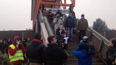 Prosvjed za čisti zrak: Hodali u krug i blokirali granični prijelaz