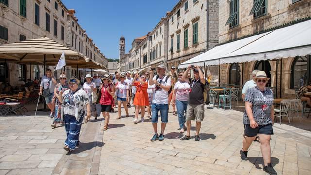 Turista u Dubrovniku ima unatoč pandemiji koronavirusa