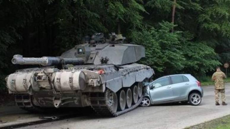 Lekcija teška 62 tone: Na satu vožnje pregazio ju je - tenk