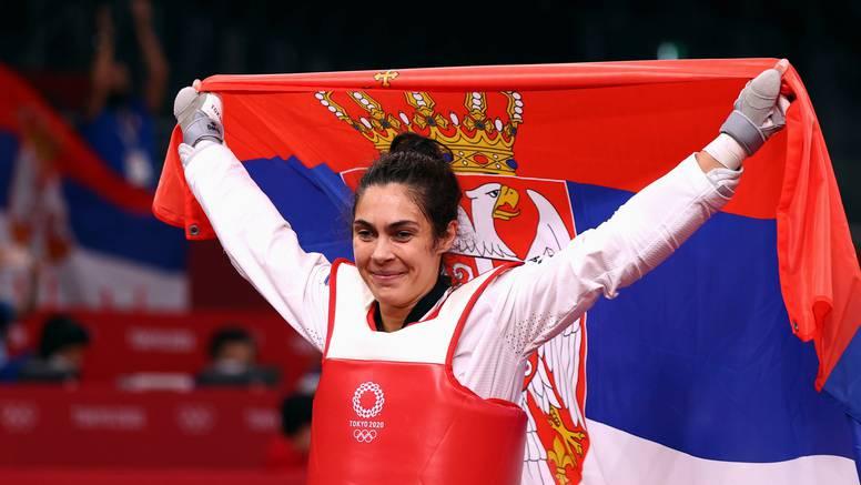 Srpkinja Mandić osvojila zlato pa se umirovila, Biles odustala zbog mentalnih problema?