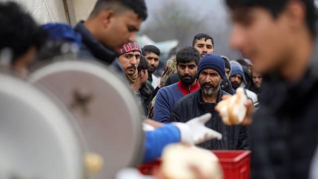 UN je obnovio dostavu pomoći Siriji, no prepolovio joj trajanje